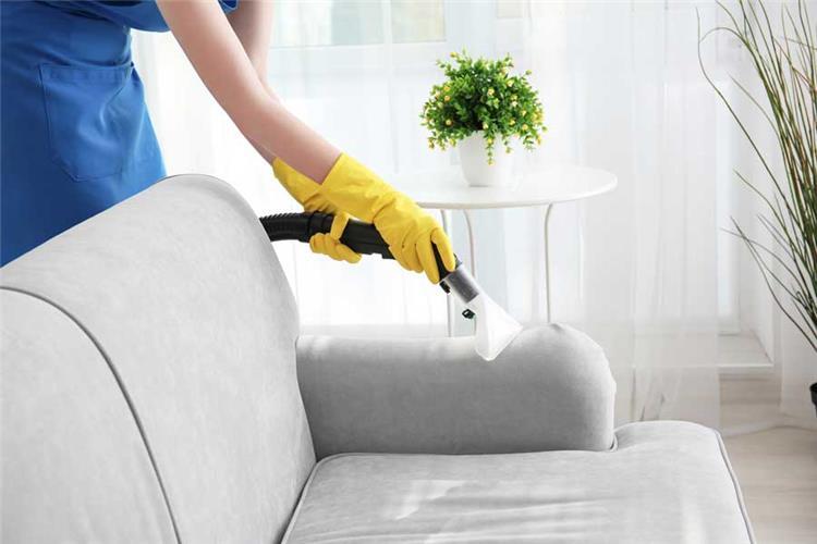 طريقة تنظيف الكنب بسهولةجدًا